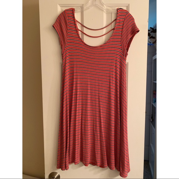 American Eagle Outfitters Dresses & Skirts - American Eagle striped dress with nice back detail